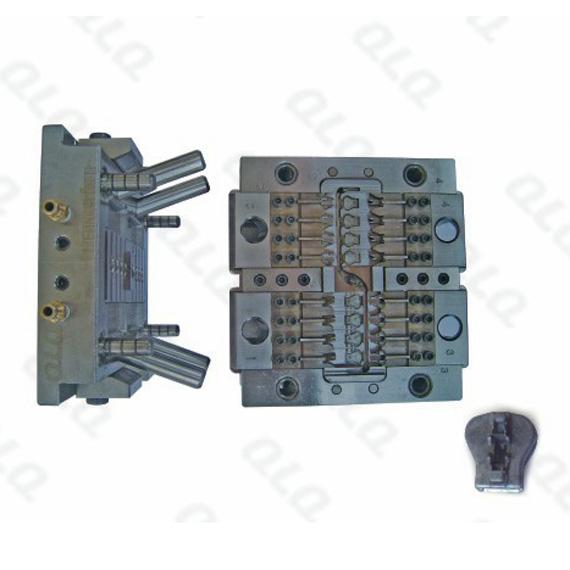 D51A Auto-lock Slider Body Mould
